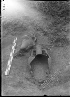 Children burials nos. 14 and 15, in amphorae